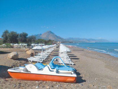 Acacia Resort à EUR